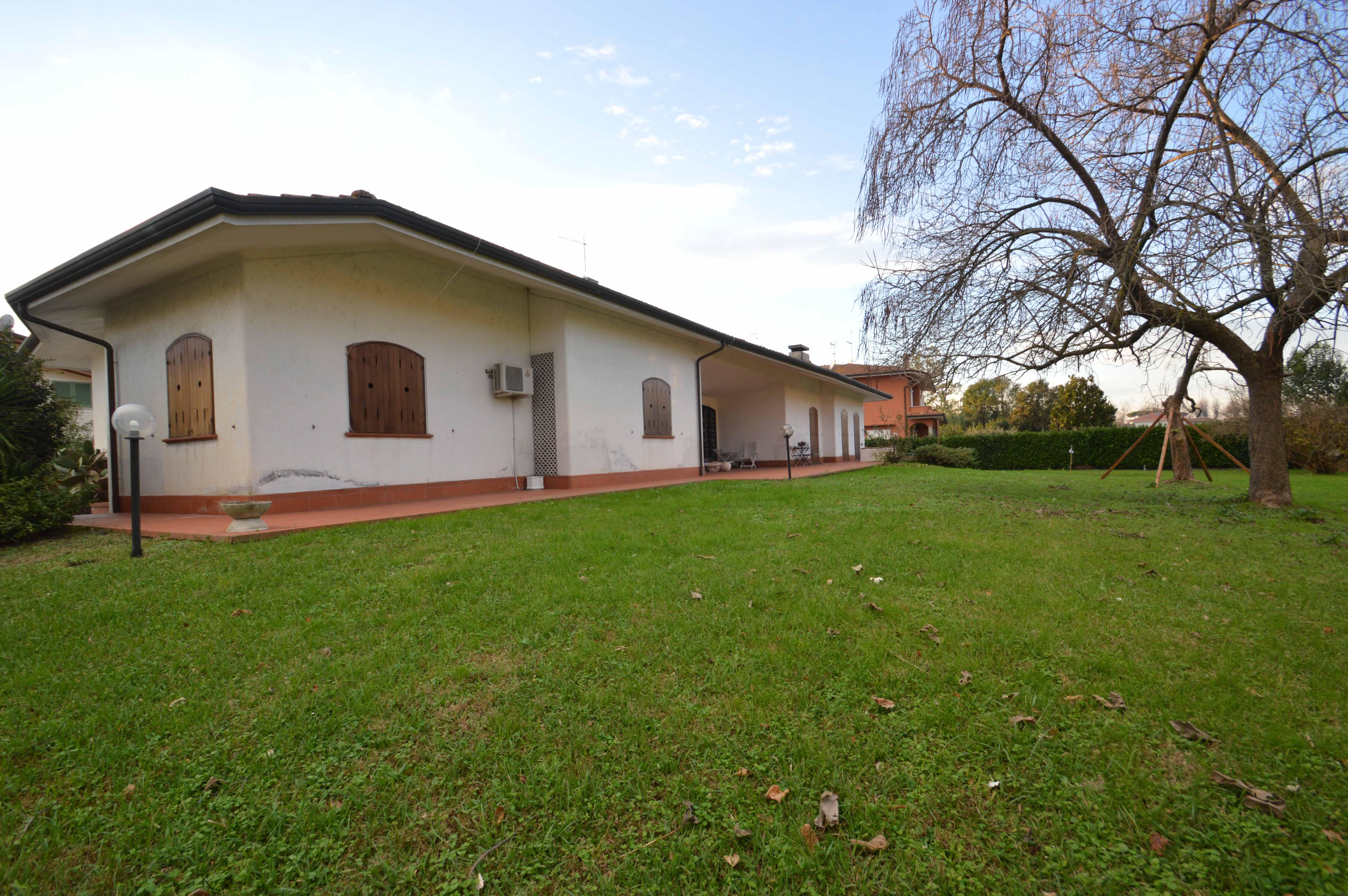 Villa-Pietrasanta sotto Aurelia